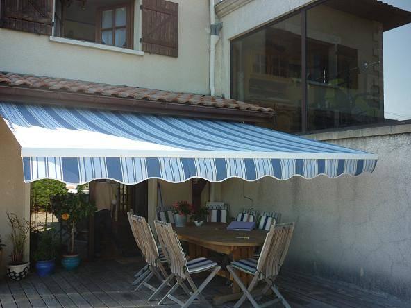 store banne somfy vente et pose de protections solaires. Black Bedroom Furniture Sets. Home Design Ideas